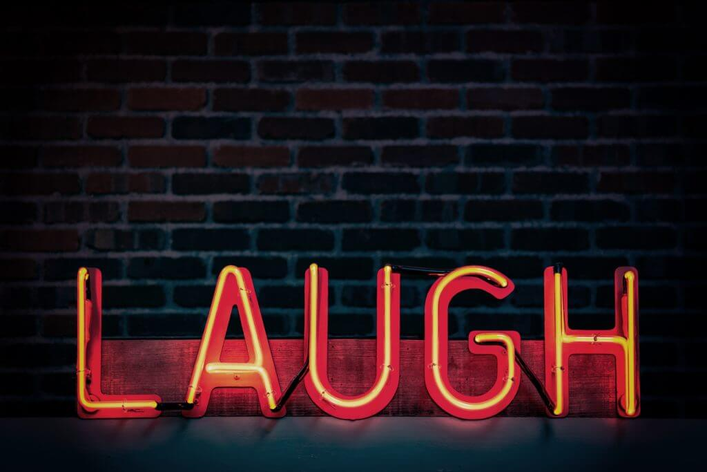 LAUGHの文字